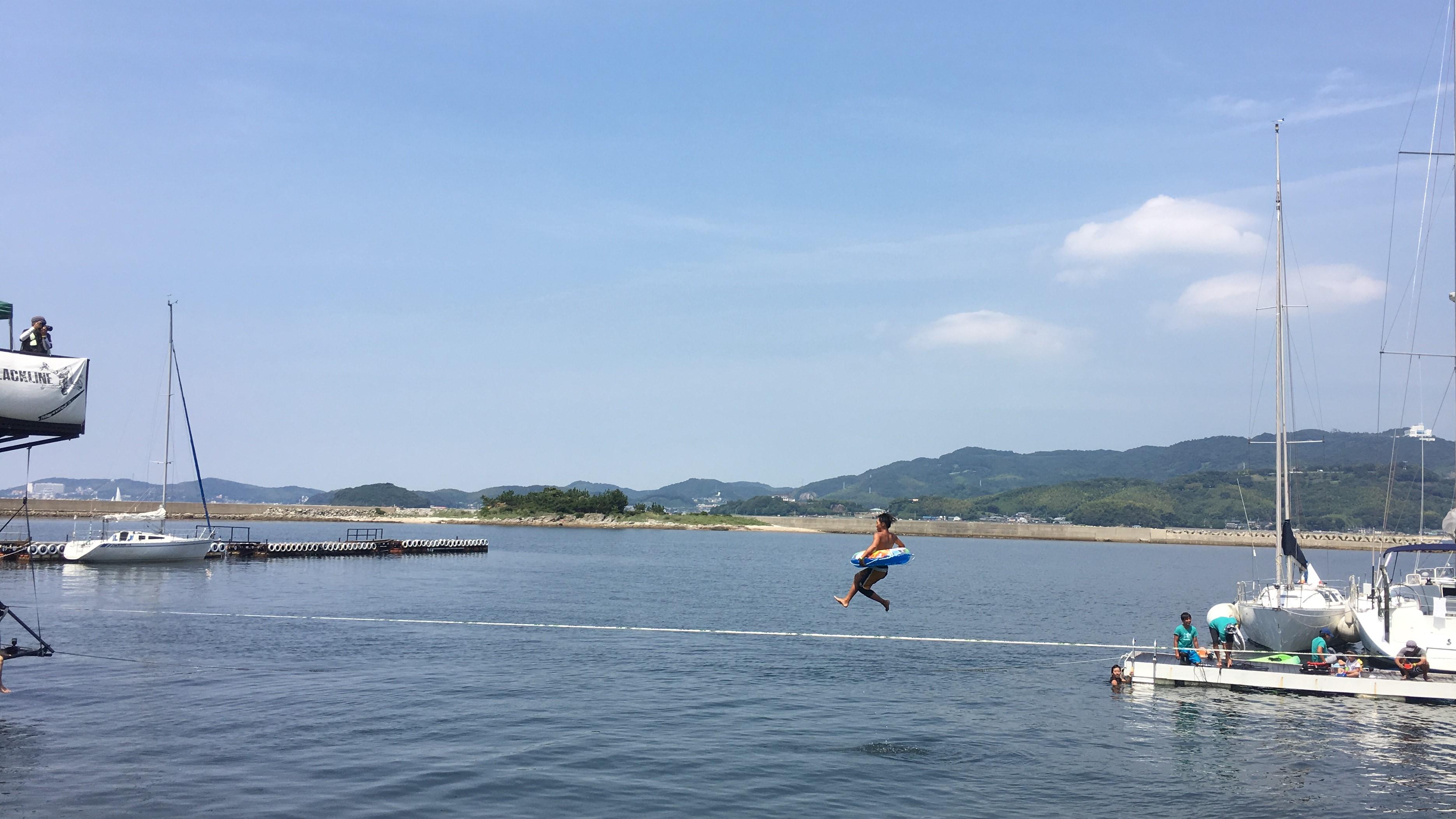 細江樹 浮輪パフォーマンス